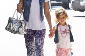 Jessica Alba & Daughter, Honor, Dress In Matching Outfits