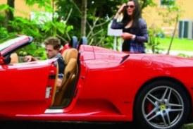 Dicen que William Levi ya se gasto el dinero de la exclusiva de su hija en autos