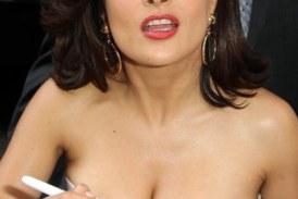 Y ahora los senos de Salma Hayek
