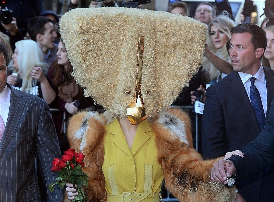 La_impresionante_m_scara_de_Lady_Gaga