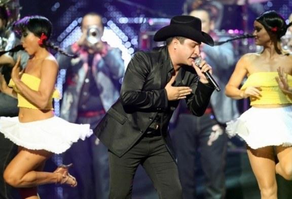 """Julión Alvarez estrena nuevo sencillo, """"El amor de mi vida"""""""