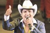 Julión Álvarez podría perder su nombre artístico, fue demandado